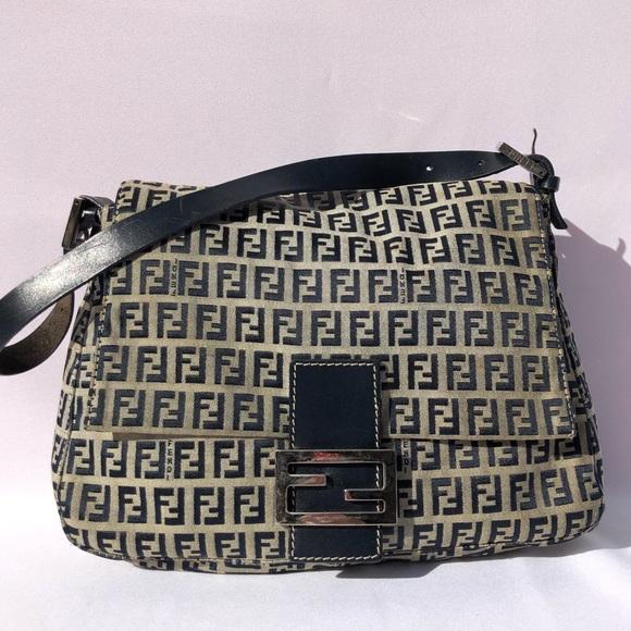 3b5f852c96d3 Fendi Handbags - FENDI Monogram Vintage Hobo Bag ✨